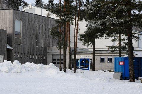 STENGT: Problemer med kjøleanlegget fører til stengt ishall.