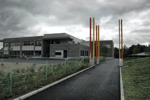 HARDT RAMMET: I løpet av den siste måneden har Sandeåsen skole vært offer for flere smittetilfeller.