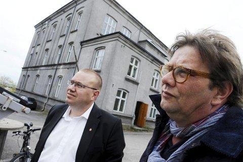 UENIGE: Opposisjonsleder i fylkestinget, Arve Høiberg (t.v.) og gruppeleder for Tønsberg Ap i bystyret, Per Martin Aamodt, havnet på hver sin side i spørsmålet om bro eller tunnel. Aamodt mener fylkestinget gjorde feil ved å overkjøre kommunene, mens Høiberg avviser at de ikke lyttet. - Men vi gjorde en selvstendig vurdering, understreker han.