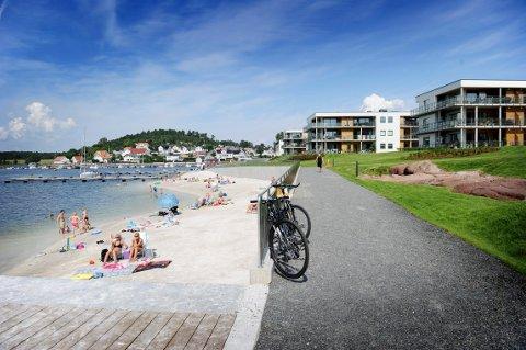 NOK UTBYGGING: Det stor tilstrømming hit av andre som ikke bor her, fordi vi har et pent opparbeidet område rundt våre bygg. Det koster en del for oss, skriver Anne Karin Ravnaas Nielsen.