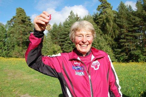 MEDALJEHØST: Grete Rivenes er vant til medaljer. Nå oppnådde hun fire i veteran-VM.