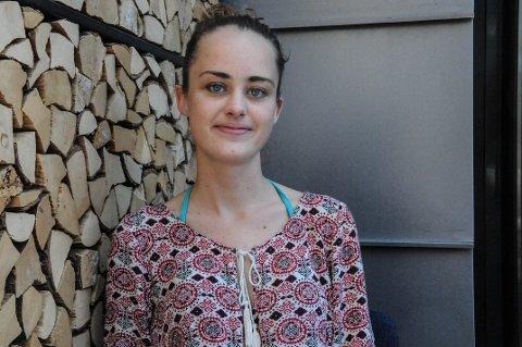 """KOM UT: Gjennom TV2-serien """"Singel"""" kom 22 år gamle Malin Kristine Freitag fra Tønsberg ut med at hun lider av vaginisme. En sykdom hun ønsker mer åpenhet rundt i samfunnet."""