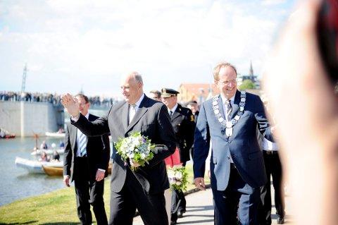 KONGEBESØK: Kong Harald kommer til Tønsberg. Her fra besøket i forbindelse med sjøsettingen av «Saga Oseberg» i 2012.