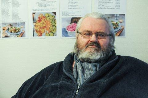 NYE TIDER: Fra og med 1. januar er all hjemmehjelp i kommunal regi i Tønsberg. Rolf Tore Kjæran mener han får et dårligere tilbud.