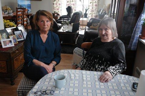 FØLER SEG DÅRLIG BEHANDLET: Torill Mathisen og Aud Rothe-Larsen føler at førstnevnte ikke har fått den behandlingen hun har krav på hos legevakten i Tønsberg.