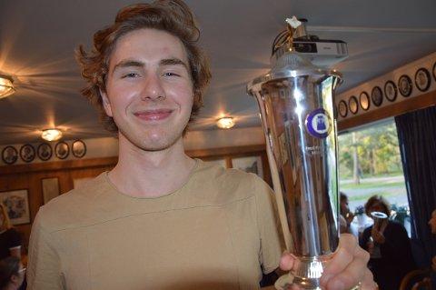 POKALVINNER: Vetle Stangeland ble den første vinneren av Fred Anton Maiers minnepokal. Nå satser han i Stavanger, som har landets beste isforhold.