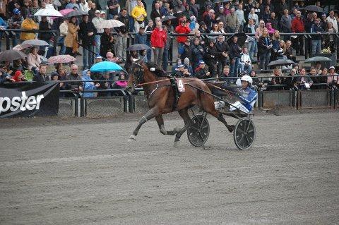 RÅGOD: Selv med feilinnslag i siste sving var Vitruvio suveren i årets Oslo Grand Prix. Blir det da capo på Jarlsberg søndag?