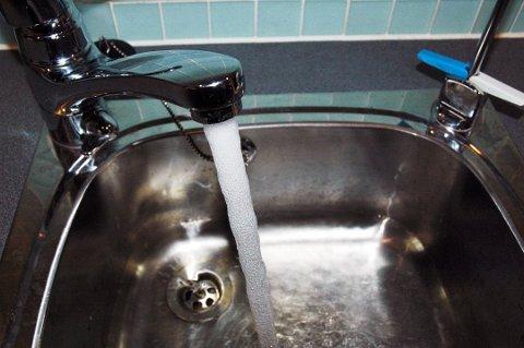 MÅ KOKES: Vivestad-innbyggere får beskjed om å koke vannet før de drikker det.