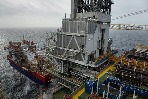 """""""REN OLJE"""": Når oljen på det nyåpnede Johan Sverdrup-feltet produseres med lavere klimautslipp pr. fat enn gjennomsnittet skyldes det at feltet er elektrifisert, et tiltak SV lenge var alene om å kjempe for, skriver Lars Egeland."""