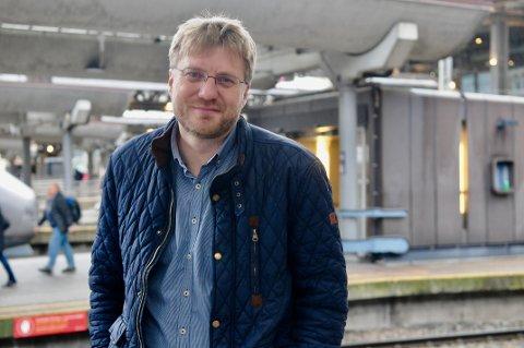 KONTROVERSIELL: Teolog og forfatter Espen Ottosen går i bresjen for en konservativ tankegang om homofilt samliv. Han har skrevet flere bøker om dette, og i februar kom det ut en ny versjon som fortsetter å skape debatt.