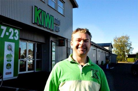 STOR: Med en omsetning på 126,5 millioner kr ifjor, er Kiwi på Gauterød en av Tønsberg-distriktets største dagligvareforretninger. Omsetningen her gikk noe ned i 2019, men medeier Kenneth Normann Eriksen kan likevel notere et solid overskudd.