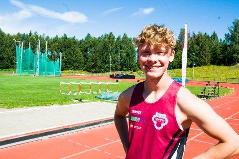 MEDALJEFAVORITT: Stortalentet Sebastian Berntsen en en av tolv utøvere som er med i UM fra Tønsberg Friidrettsklubb.