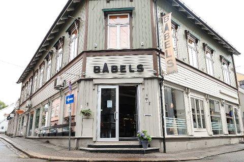 TRUET: Babels i Tønsberg og Cafe-M i Horten, som begge driftes av selskapet som nå er begjært konkurs, står i fare dersom partene ikke rydder opp og retten bestemmer seg for å åpne konkurs.