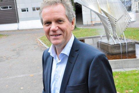 SKIFTER TITTEL: Hvis kommunestyret vil, går Egil Johansen 1. juli over fra å være rådmann til å bli kommunedirektør.