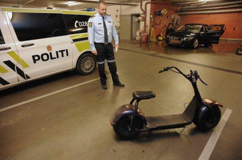 FORTVILET: Politioverbetjent Marius Gunnerud er fortvilet over utviklingen i bruken av ulovlige elkjøretøy her i distriktet.