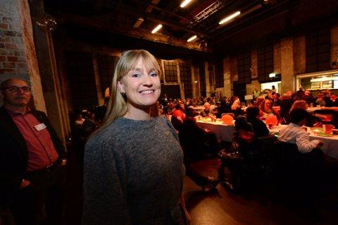 PARTIET I RYGGEN: Grete Wold (SV) sier at medlemmene er skuffet over bruddet i regjeringsforhandlingene, men at de har full tillit til forhandlingsutvalget. Foto: Kirvil Håberg