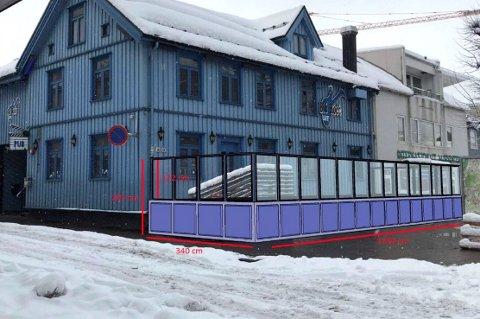 UTESERVERING: Slik håper Blå Rock Café at uteserveringen blir seende ut. Målet er å få bygget terrassen i løpet av sommeren.