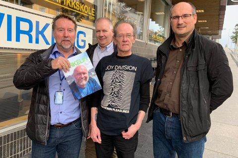 BIDRAR: Gatemagasinet Virkelig trenger hjelp. Fra venstre: Geir Karlsen og Thor Henriksen i Proffrent, Alf Krogseth i Virkelig og Jim Seljevold i Renholdsgruppen.