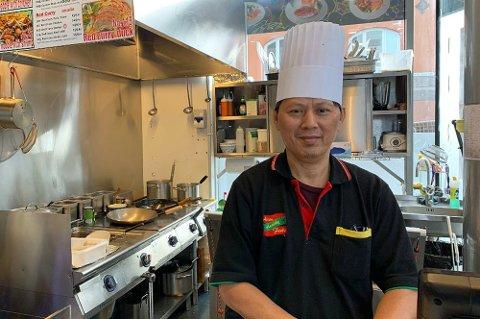 Natthawat Wongwan bekrefter at spisestedet hans endelig åpner igjen. Foto: Astrid Øvre Helland