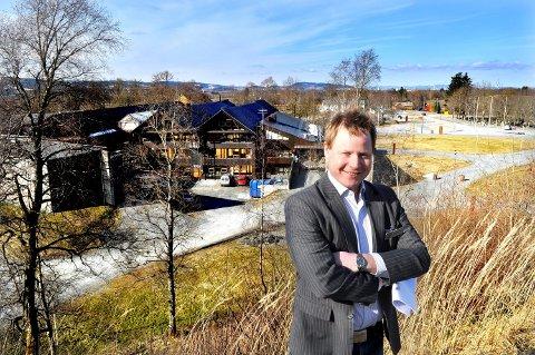 FORNØYD: – Vi har et årsresultat som er bedre enn på årevis, og likviditeten er god, sier økonomisjef John Petter Valstad ved SNK.