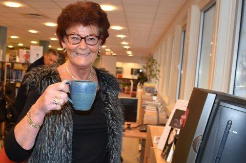 Ingebjørg Johanne Voie synes kaffen i biblioteket er supergod.