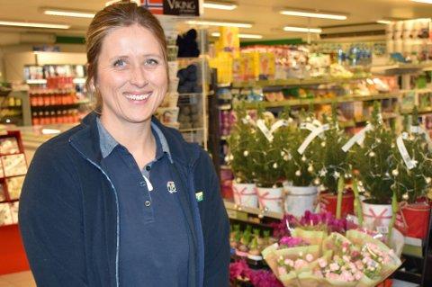 Kirsten Berås jobbet tidligere på Ertec. Der trivdes hun veldig godt, men butikklivet ler hun nå blitt veldig glad i.