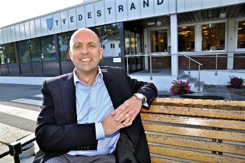 Det er fire år siden Jarle Bjørn Hanken forlot rådmannsstillingen i Tvedestrand. Nå har han søkt på nytt.