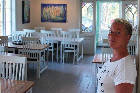 Mia Åbonde har noen hektiske dager igjen før det eksploderer med gjester, liv og latter på Tvedestrandsperlen, Furøya.