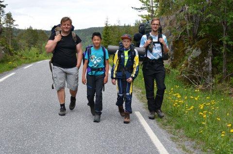 På langt tur: Trond Fjell, Vemund Fjell, Morten Namsvatten Bjørkholt og Knut Martin Bjørkholt.