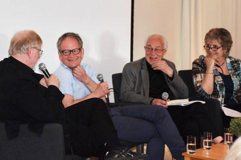 Klaus Hagerup (fra venstre), Magnus Takvam og Olav Vesaas i samtale ledet av Ragnhild Sælthun Fjørtoft.