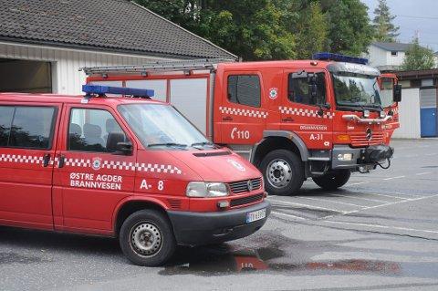 Brannvesenet i Tvedestrand rykket ut til Skålandsveien i Holt i natt.