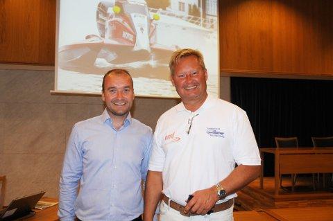 Bjørgulv Lund har vært styreleder i Skagerrak Water Festival de to siste årene. Her sammen med TRK's regattasjef, Øystein Haugenes. Arkivfoto