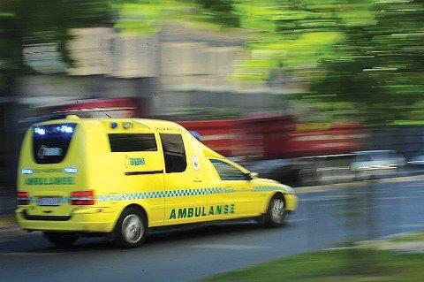 Bilføreren ble kjørt med ambulanse til sykehus for en sjekk.