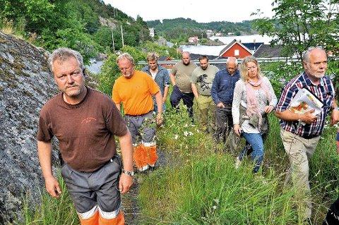 Dette bildet er sju år gammelt. Nå håper Vidar Knutsen (foran til venstre) at det nærmer seg en løsning for Sørlandsleia hyttefelt.