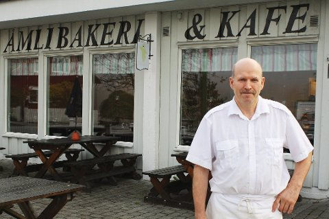 Roch Zalewski har nå stengt både bakeriet og kafeen inntil videre.