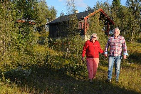Lenningen: Bjørg og Lasse Edvinsen har blitt enig med soknerådet om en mulig deling. Kafébygningen blir liggende på eiendommen til soknerådet, og formålet med delingen er at Edvinsen beholder fradelt parsell med seks utleiehytter, og overfører kafébygningen til Bruflat sokn.