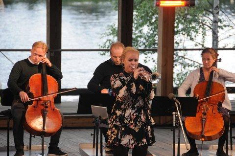 Solist: Tine Thing Helseth som solist, med medlemmer fra Det Norske Kammerorkester i bakgrunnen.