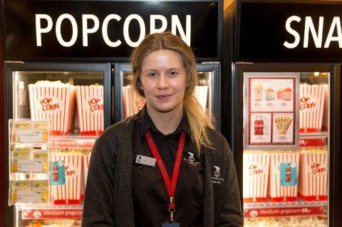 Gimle Kino-ansatt Hanne Rudi har jobbet på kino både i Valdres og i Oslo. Hun tror det blir mindre attraktivt å jobbe på kino når frikortet forsvinner. Foto:Paul Weaver/Nettavisen