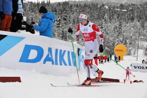 Rubb: Gina Flugstad Øistuen mente det var en del å hente på teknikken i sesongstarten på Beitostølen. Hun gikk på rubba ski og hadde brukbart feste på nullføret.