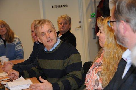 Optimist: Fylkesmann Knut Storberget besøkte Etnedal og uttrykket optimisme for Innlandet, ved bedre utnyttelse av skogen. – Vi som bor i Innlandet lever ikke i oljeskyggen, men i skogsola, sa Storberget.