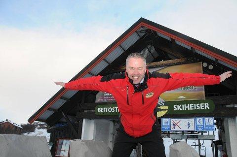 """Jubler: Direktør i Beitostlen Resort, Atle Hovi, gleder seg over all """"bonussnøen"""" som nå laver tett."""