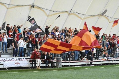 Frisk heiagjeng: Et par hundre valdriser hadde funnet vegen til Hydrohallen for å se Valdres FK vinne mot Raufoss. Dette er noen år siden.
