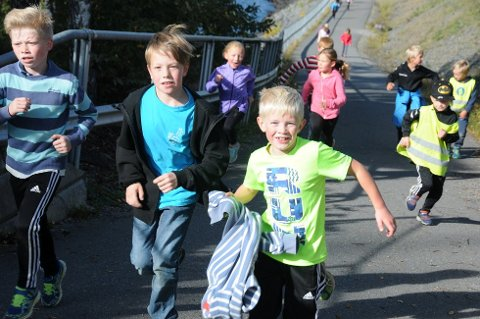 SKAL LØPE IGJEN: Nord-Aurdal barneskole skal være med på Skolejoggen for SOS-barnebyer for åttende året på rad. Bildet er av elever som var med i 2016.