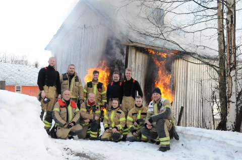 Øvelse: Beredskapsleder Ivar Svensson (fremst t.h.) hadde med seg to brannlag i øvelsen i Bergo lørdag.