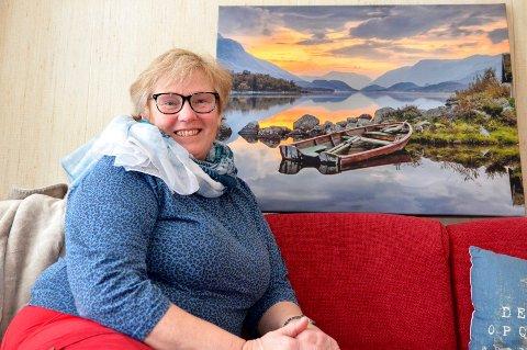 Geoline (Astrid Bente) van Kuyk, Kantehaugadn, Vang, fødd 1957 *** Local Caption *** Mø i Valdres