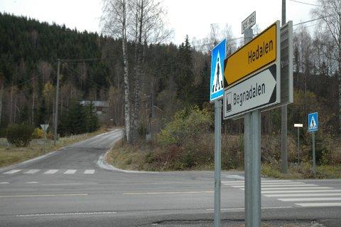 Søk: Det var i 03.00-tida natt til søndag at politiet gikk ut med en melding om at de savnet ei kvinne på 29 år i Hedalen, nærmere bestemt Fekjarvegen.