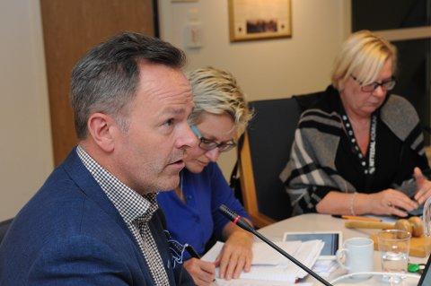 PRIVATE, NEI TAKK: ROAF-direktør Øivind Brevik advarte mot konkurranseutsetting i renovasjonsbransjen da han forleden møtte Nittedals folkevalgte.