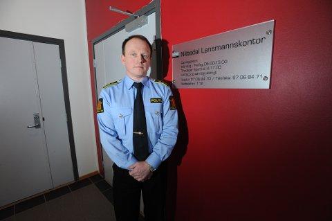 BYGDAS POLITISJEF I DAG: Lensmann Bjørn Bratteng ved Nittedal lensmannskontor.