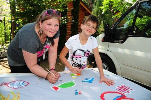 SOMMERLEIR: De norske ungdommene har arrangert sommerleir i Ungarn. Nå skal kommunen evaluere delen av prosjektet der ungdom reiser til Ungarn.