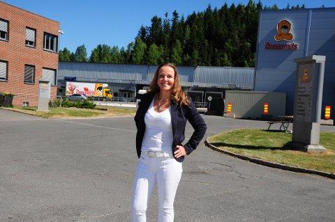 OM SIN LEDERSTIL: Rita Kristin Broch er opptatt av inspirerende lederskap. – Det er hele tiden medarbeideren som skal være i førersetet, sier hun.